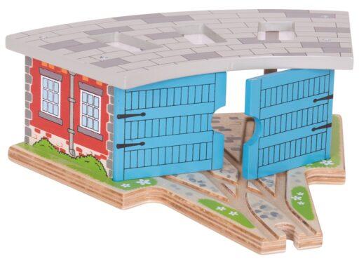 Bigjigs Rail Trojité depo s vraty poškozená krabička