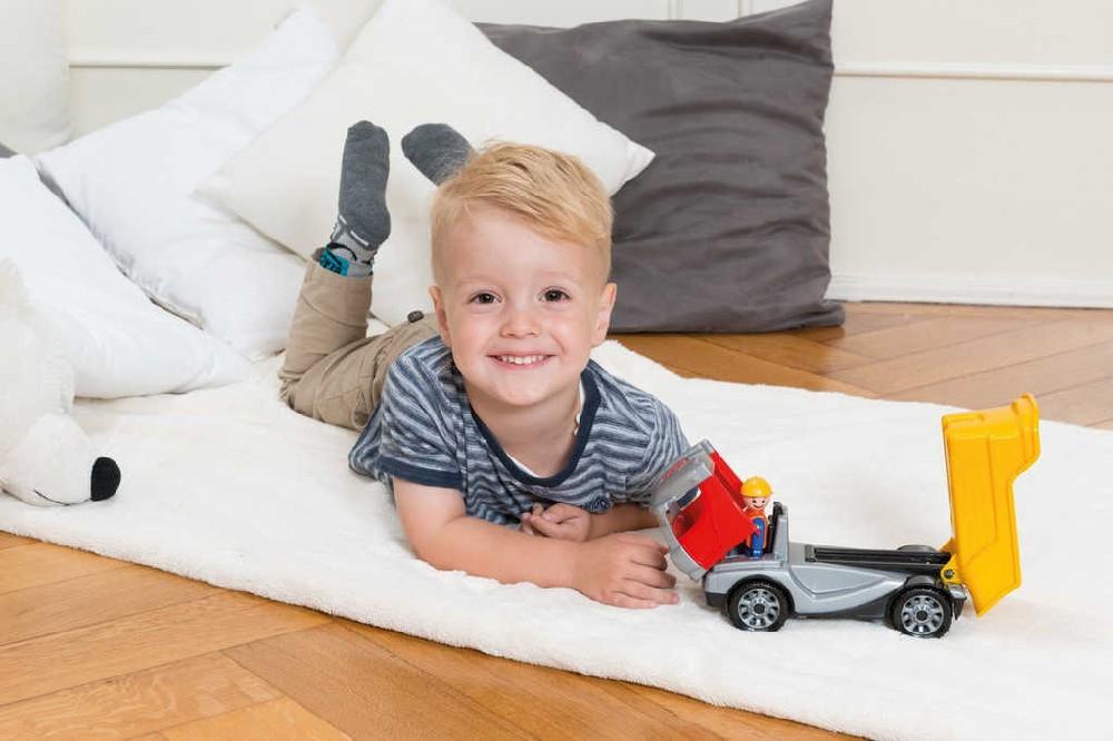 LENA Truckies sklápěč 22cm set baby autíčko + panáček 01620 plast
