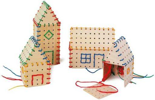 Small Foot Dřevěná hra na provlékání stavební prvky